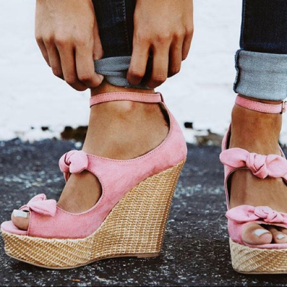 933a8a3083e 1 Left! Qupid Pink Pin-up Ankle Strap Bow wedge Boutique